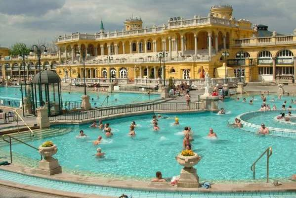Budapest Hot Springs Széchenyi Thermal Baths